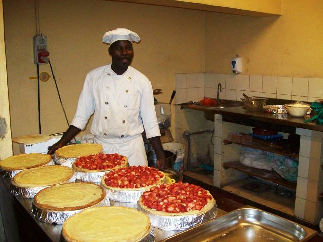 Fresh strawberry tarts, for Sunday International Bufferìy