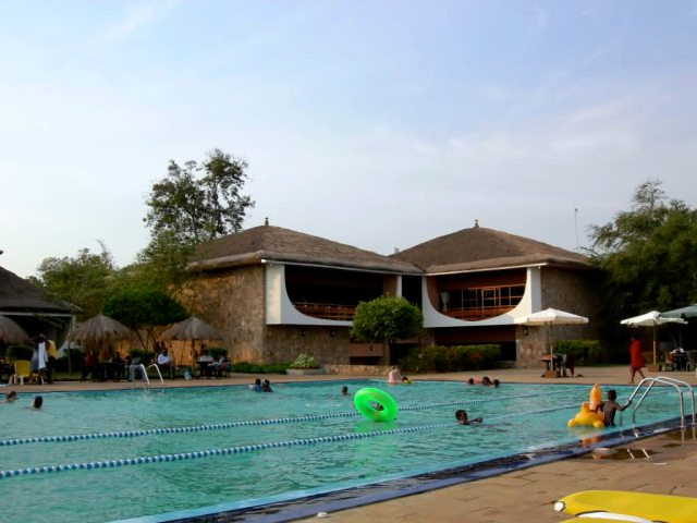 The two pools are a welcome reliev to Burundi residents.  Source: skyscrapercity.com