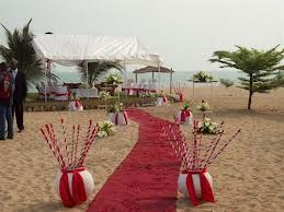 Wedding can be organized on the beach, followed by a meal inside the Hotel restaurent.  Source - ostrovok
