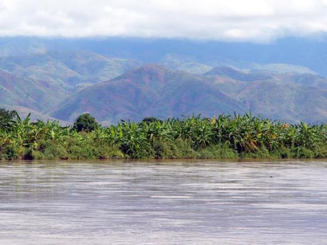 From the Rusizi Wetlands and river can be seen the lovely hills of the Congo.  This picture was taken during the rainy season when the hills can be seen - now, during the height of the dry season, one cannot see them.