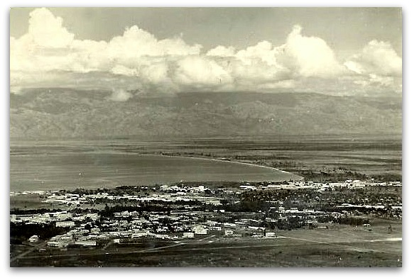 A photo taken in the 1930s, above Bujumbura, showing the north shore of the lake.  Source: Pierre Gallez.