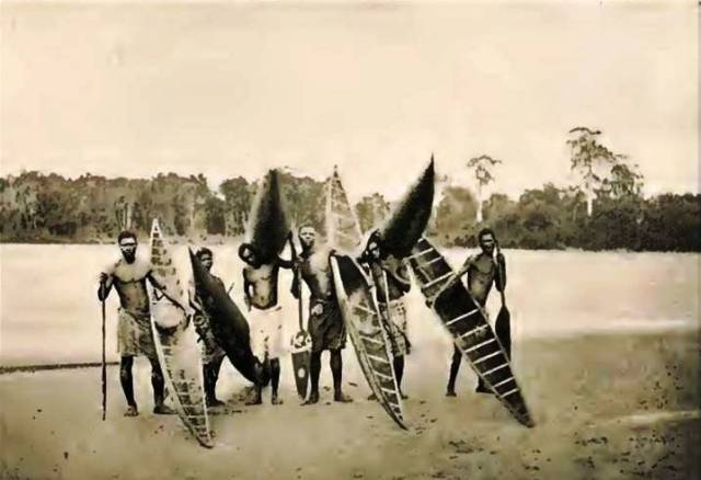 KingsleyW.AfricanStudies.Batanga Canoes, Ogowe River region of West Africa.  Source - Mary Kingsley, West African Studies