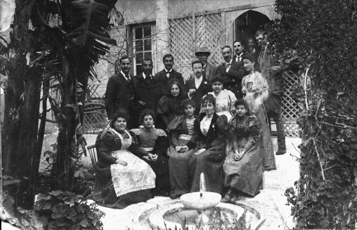 A trading family in the Jewish quarter/The Afriat fmly ca.1903 books.openedition.orger.