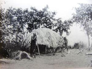 Votive hut next to a residential hut in Burundi, c. 1910. Source. Meyer-Barundi